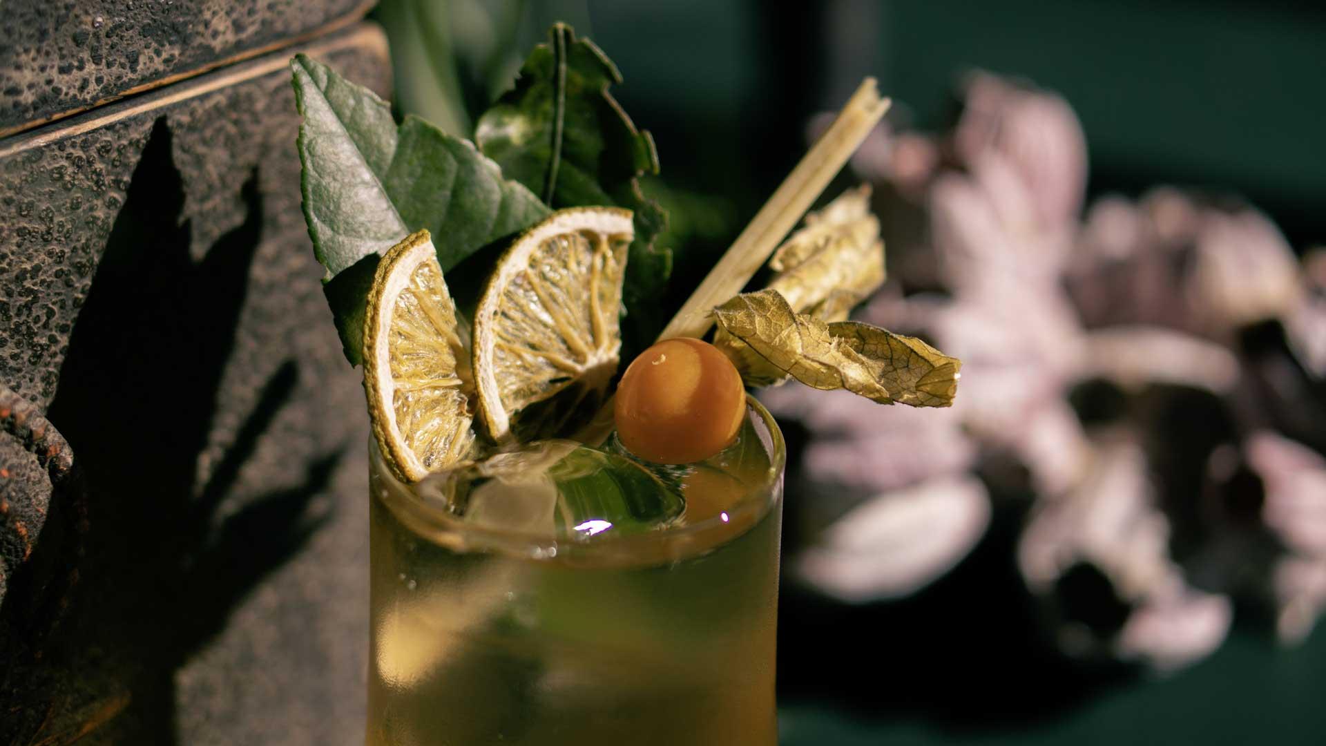 N14-Restaurant_Cocktail-Mauer